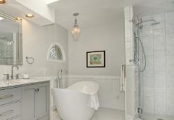 Bathroom Remodel: Luxurious and Glam Bathtime